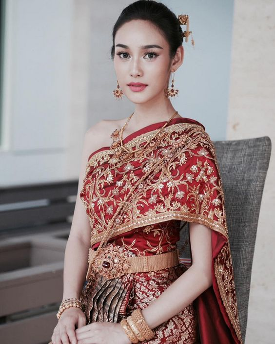 Tại sao trang phục truyền thống Thái Lan lại thu hút người nhìn