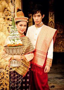 Trang phục truyền thống của Lào