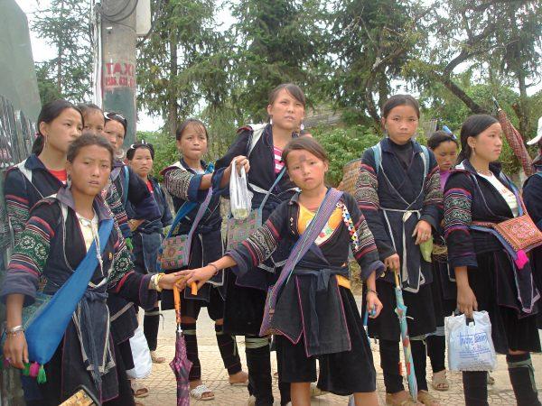 Trang phục truyền thống của 54 dân tộc Việt Nam