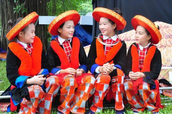 Trang phục truyền thông Việt Nam của dân tộc Dao đỏ