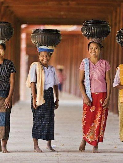 Nét đẹp trong trang phục truyền thống Myanmar