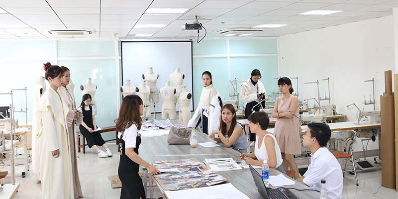 Ngành Thiết kế thời trang học khối nào?