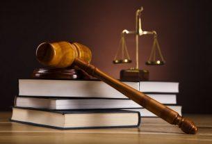ngành luật thi khối nào 4