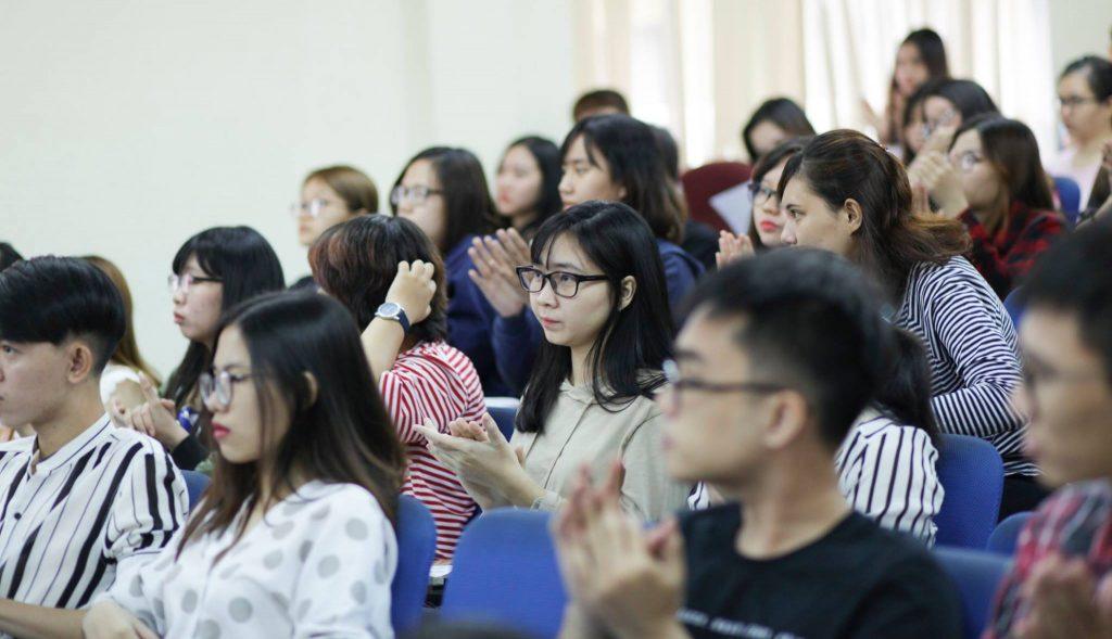 Học Cao đẳng nghề rất tiện lợi cho người vừa học vừa làm