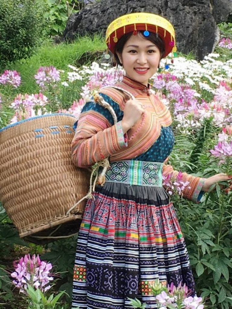 Váy hoa của người H'mông